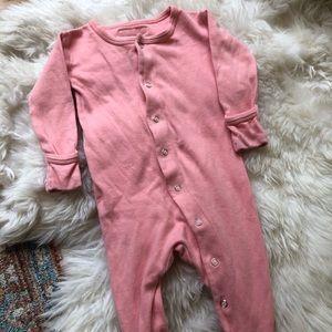 •L'OVED BABY• 3-6 month Bubblegum sleeper.